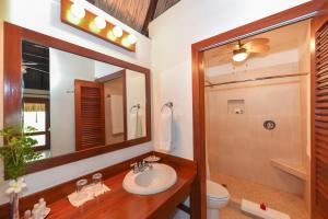 Ein Badezimmer in der Unterkunft Victoria House Resort & Spa