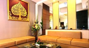 The lobby or reception area at Savali Hotel