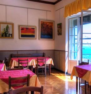 A restaurant or other place to eat at Hotel Primo Sole