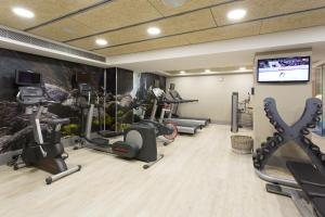 The fitness center and/or fitness facilities at Catalonia Atenas
