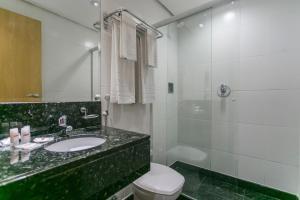 A bathroom at Hotel Atlantico Tower