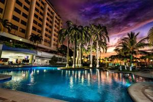 The swimming pool at or near Hotel Olé Caribe