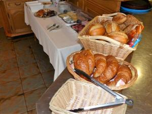 Frühstücksoptionen für Gäste der Unterkunft Gasthaus zur Linde