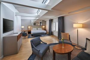 A seating area at Hilton Cologne