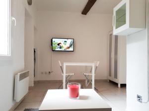 A television and/or entertainment centre at Le panier centre historique de marseille