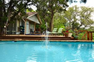 The swimming pool at or near Casa del Sol Bed and Breakfast