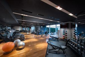 The fitness centre and/or fitness facilities at Hilton Tokyo Odaiba