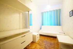 Гостиная зона в Самый центр - Малая Морская 6 - СуткиСпб - Две комнатны