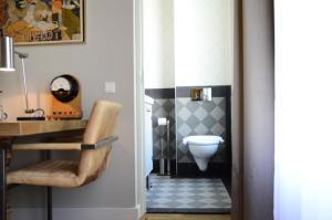 A bathroom at Hotel Sleep-Inn Box 5