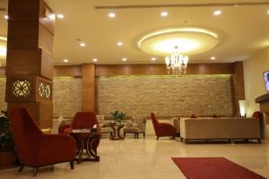 Лобби или стойка регистрации в Quaint Hotel Erbil