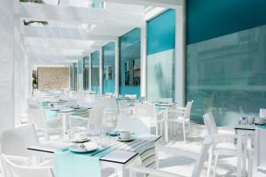 Restauracja lub miejsce do jedzenia w obiekcie MarSenses Puerto Pollensa Hotel & Spa