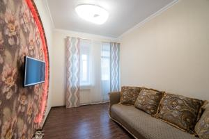Гостиная зона в Family Apartments on Galaktionova