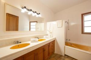 Salle de bains dans l'établissement 4 Cantons - La Goleta Villas