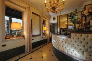 The lobby or reception area at Hotel Arlecchino
