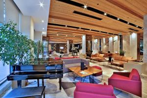 A restaurant or other place to eat at Dosso Dossi Hotels & Spa Downtown