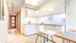 Kuchnia lub aneks kuchenny w obiekcie Apartament Brzeźno