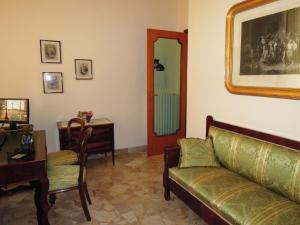 A seating area at Sole e Mare