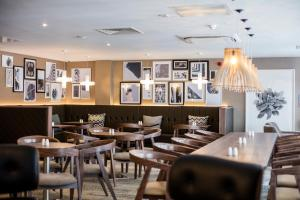 A restaurant or other place to eat at AC Hotel by Marriott Birmingham