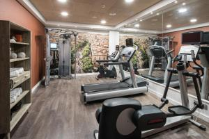 The fitness center and/or fitness facilities at Catalonia Magdalenes