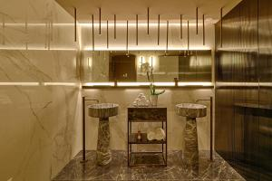 Een badkamer bij Maritim Hotel Plaza Tirana