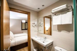 A bathroom at Hotel Meve
