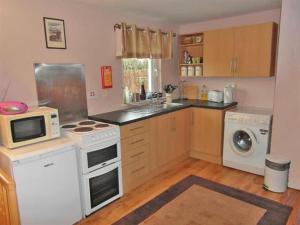 A kitchen or kitchenette at Bramble Cottage 1, 2 & 3