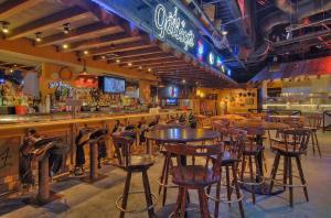The lounge or bar area at TI - Treasure Island Hotel & Casino