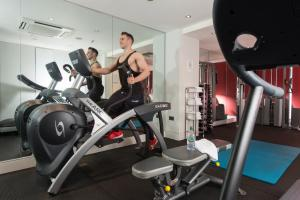 The fitness center and/or fitness facilities at Park International Hotel