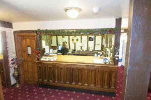 The lobby or reception area at Roebuck Inn