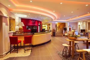 Lounge oder Bar in der Unterkunft Romantischer Winkel RoLigio & Wellness Resort