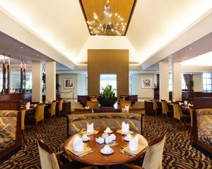 A restaurant or other place to eat at City Lodge Hotel Pinelands