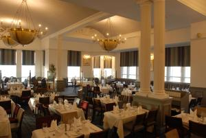 A restaurant or other place to eat at Imperial Hotel Blackpool