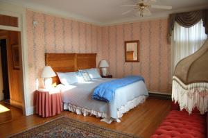 A room at Wilburton Inn