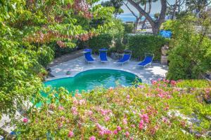 The swimming pool at or close to Albergo Terme Italia