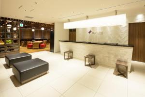De lobby of receptie bij MyCUBE by MYSTAYS Asakusa Kuramae