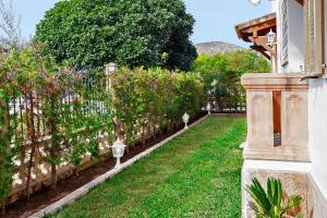 Jardín al aire libre en Apartment Rosmare