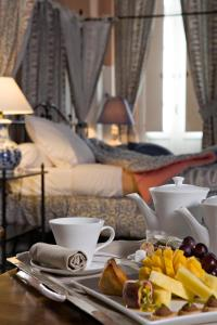 Breakfast options available to guests at Château de Rochegude - Relais & Châteaux