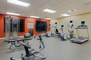 The fitness center and/or fitness facilities at Hilton Garden Inn Annapolis