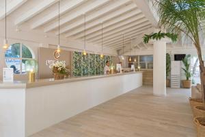 Lobbyn eller receptionsområdet på FERGUS Club Europa