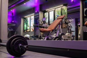 The fitness center and/or fitness facilities at Ibis Milano Centro