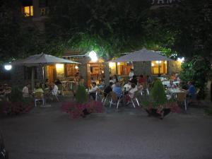 A restaurant or other place to eat at Hotel Turmo