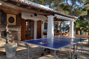 Ping-pong facilities at Villa Colina Ibiza or nearby