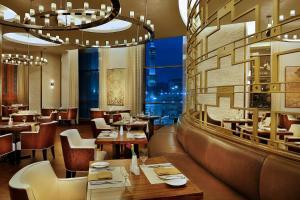 مطعم أو مكان آخر لتناول الطعام في كونراد مكة