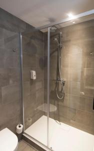 Een badkamer bij Hotel De Zoete Inval Haarlemmerliede