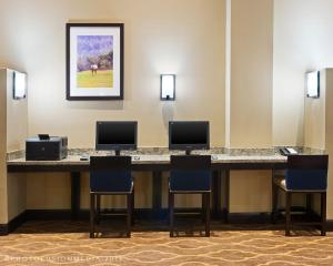The business area and/or conference room at Comfort Suites