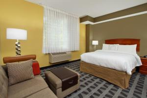 A room at TownePlace Suites San Jose Cupertino