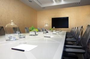 The business area and/or conference room at W San Francisco