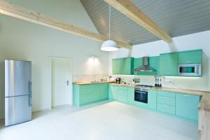 Een keuken of kitchenette bij Irota EcoLodge