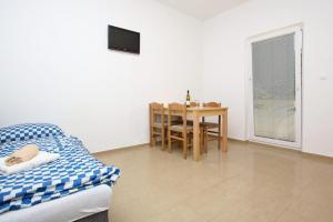 A seating area at Apartments Jasmina