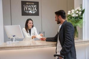 Hall ou réception de l'établissement Hotel Grande Italia